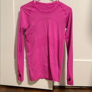 Lululemon Swiftly long sleeve size 6